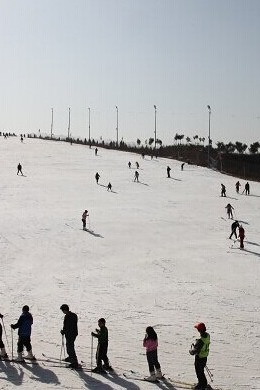 12月19日竹林畔滑雪一日游