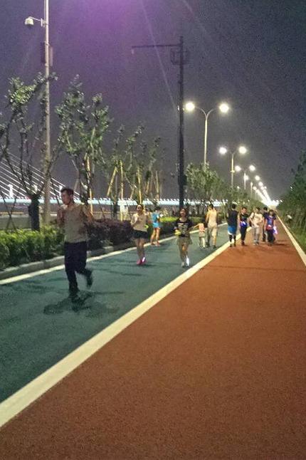 8.16周二,路客夜跑团相约钱塘之滨,奔行最美跑道