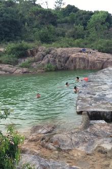 红旗山水库游泳