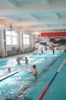 爱生活爱运动,周末一起游泳。