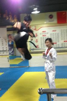 散打、跆拳道、女子防身术免费体验课程