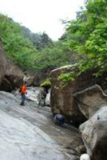 4月26日(周日)莱芜涝汰山~落石崖~马鞍山大峡谷