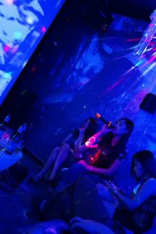 6月7日晚9点520影吧通宵K歌观影喝茶打牌聚会!