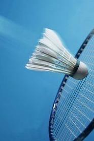 周三会展中心打羽毛球