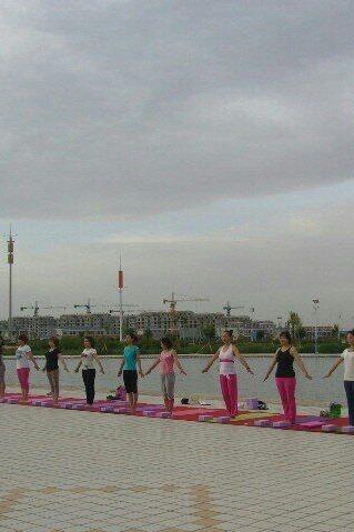 户外瑜伽训练营