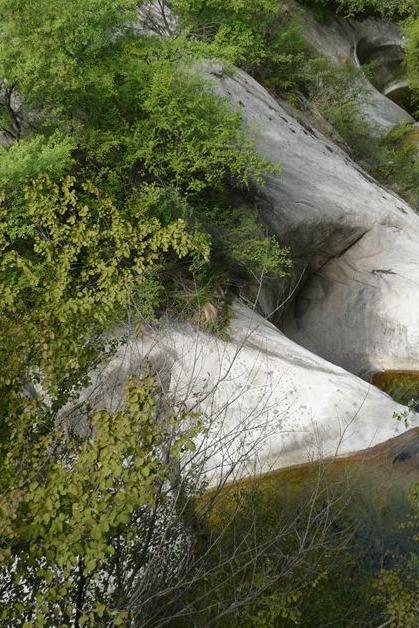 A:柳泉峪穿虎头山25公里。B:柳泉峪休闲15公里