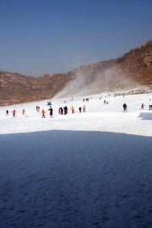 快乐休闲天涯户外俱乐部联谊莲青山风景区滑雪登山活动