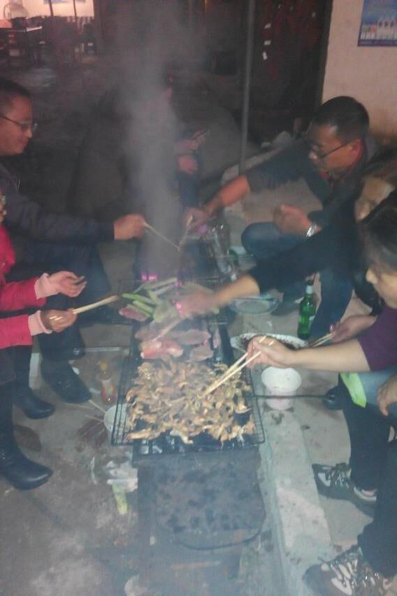 周六南碧桥烧烤聚会