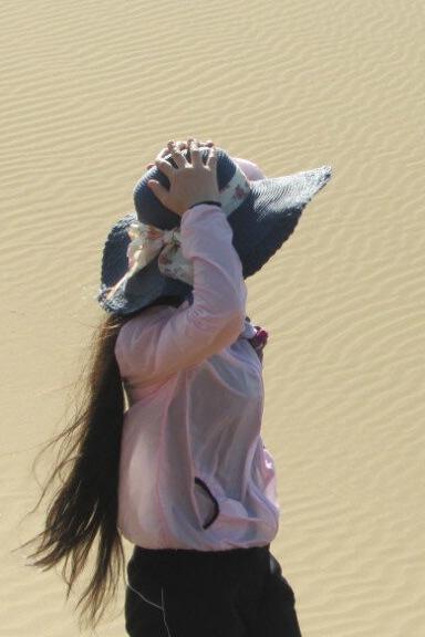 4月5日周日暴队库姆塔格沙漠一日休闲徒步亲子游5—8公里