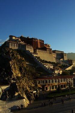 西藏云端之上——珠峰亚东边境天路摄影9天之旅