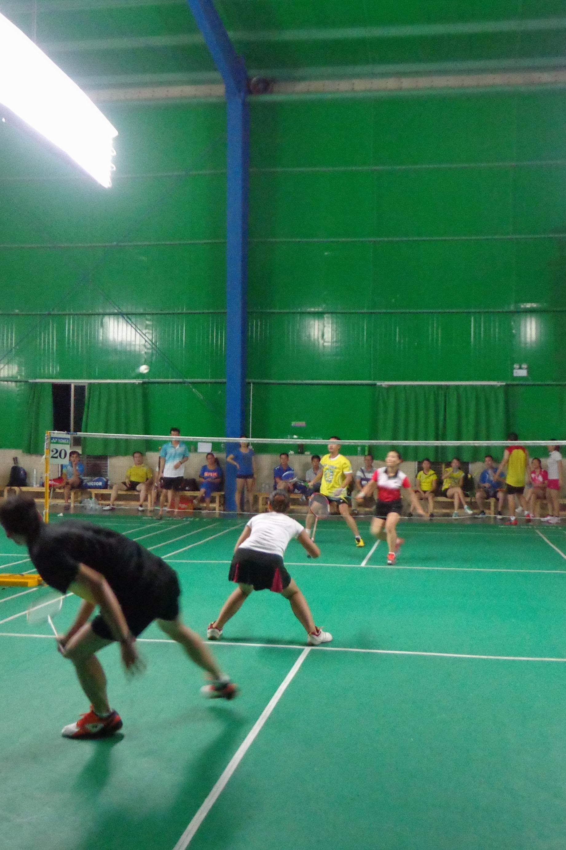 4月01日晚羽翔俱乐部羽毛球活动。