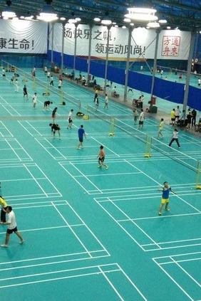周五晚相约龙华圳宝羽毛球馆打羽毛球