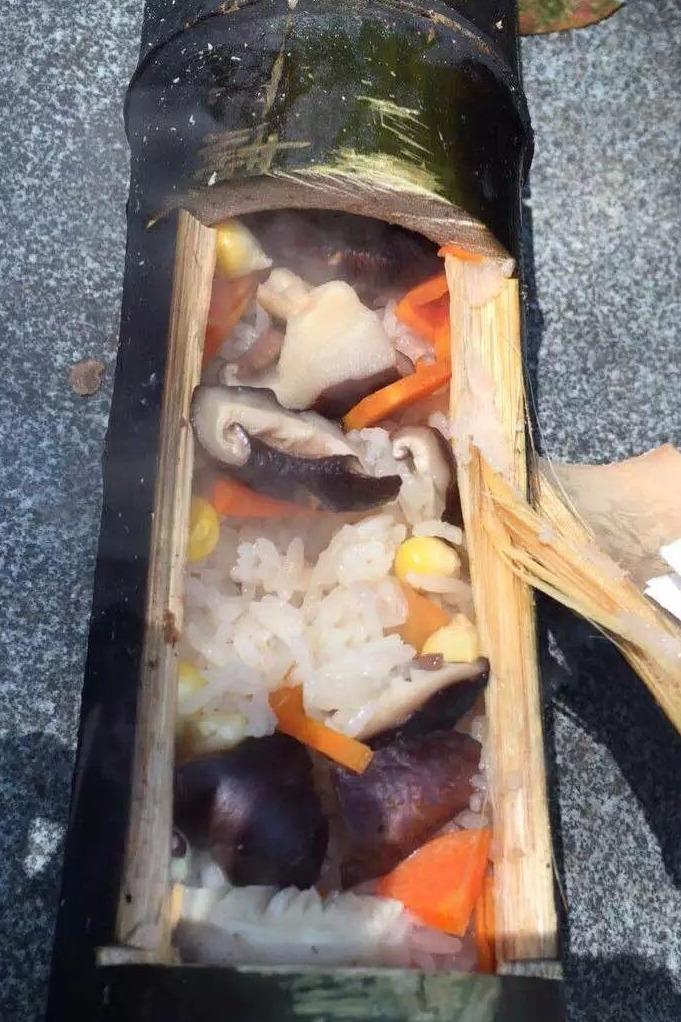 【竹筒饭、烧烤来了】让我们在河滩草地上开启运动模式