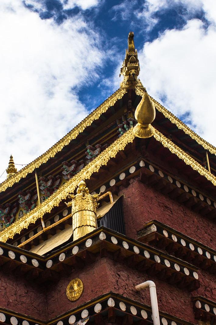 想去感受佛教圣地吗—那我们一起去色达
