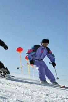 登高苏峪口滑雪,天沐泡温泉