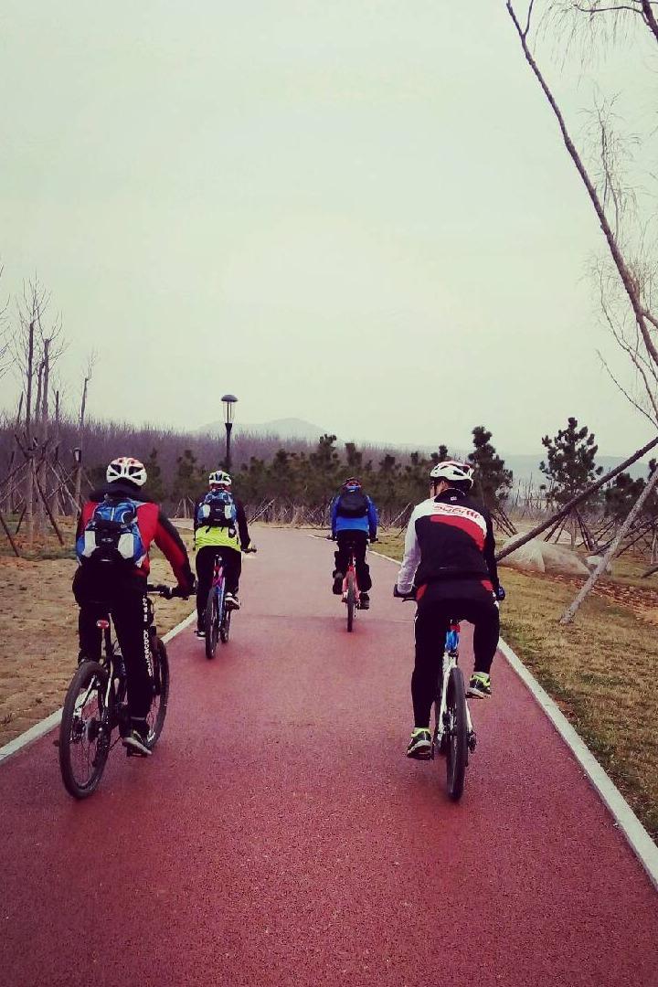让我们骑上单车一起飞翔把!