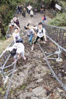 攀爬保亭七仙岭