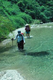 蛤蚌河溯溪,玩水,露营,野炊