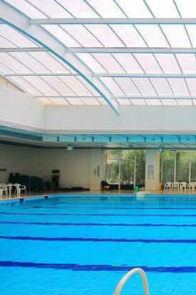 旺座现代城游泳