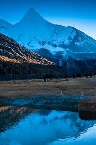 雅拉神山穿越—轻装徒步的首选,风景处女地。