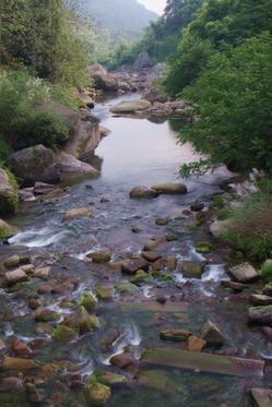 一日登山后河穿越