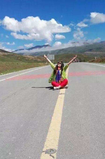 最美高原风景在色达和稻城亚丁