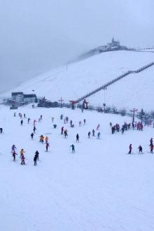 安吉江南天池滑雪一日游