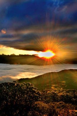 【达瓦更扎】:初冬之际,邀你赴一场云海日出视觉盛宴