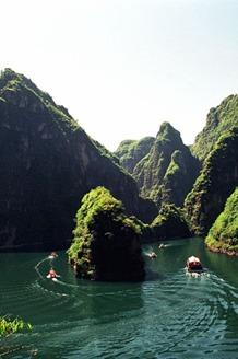 """应大家一致热情的要求,再次踏上""""龙庆峡""""的旅程!"""