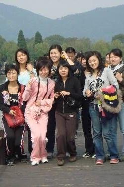 帅哥美女浪漫相约海盐县南北湖风景名胜区