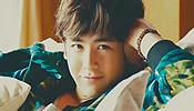 2PM变超萌海滩男孩